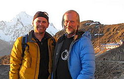 Hans Dreyer and Erich Gnaiger at Chacaltaya; right: the lab, left: Mt. Huayna Potosi (2012-Aug-07).